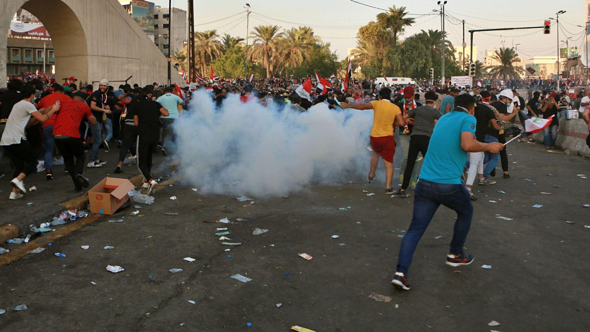 Поне 63-ма убити: Елитни части по улиците на Насирия за потушаване на протестите