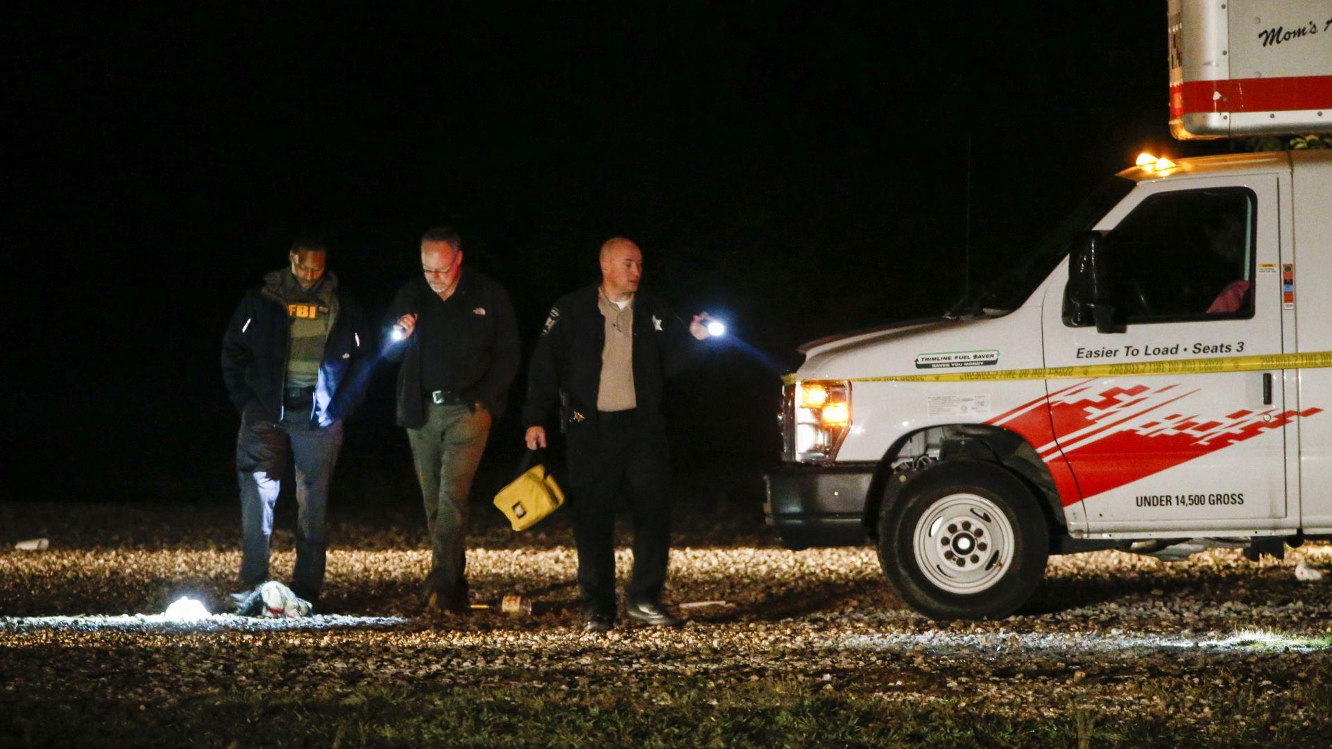 Двама убити при стрелба в Тексас