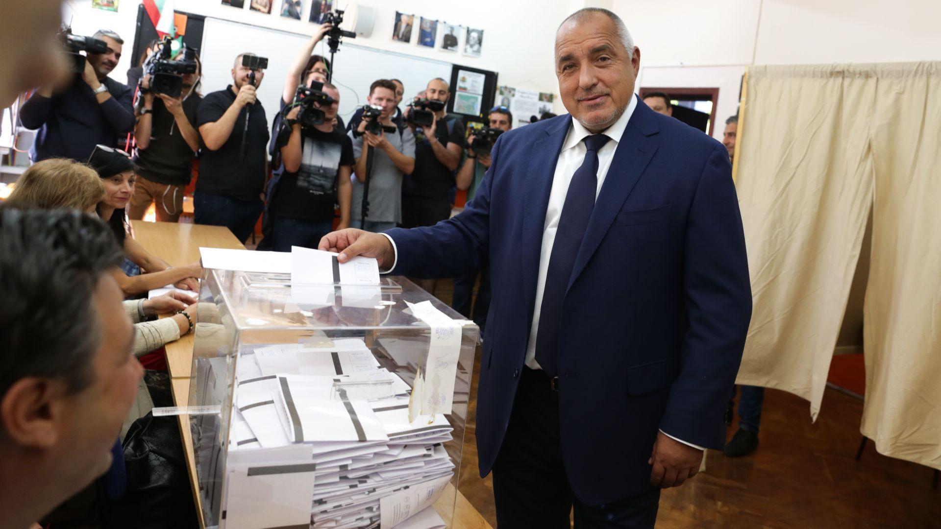 Борисов обвини президента, че говори неистини и извършва пряка агитация