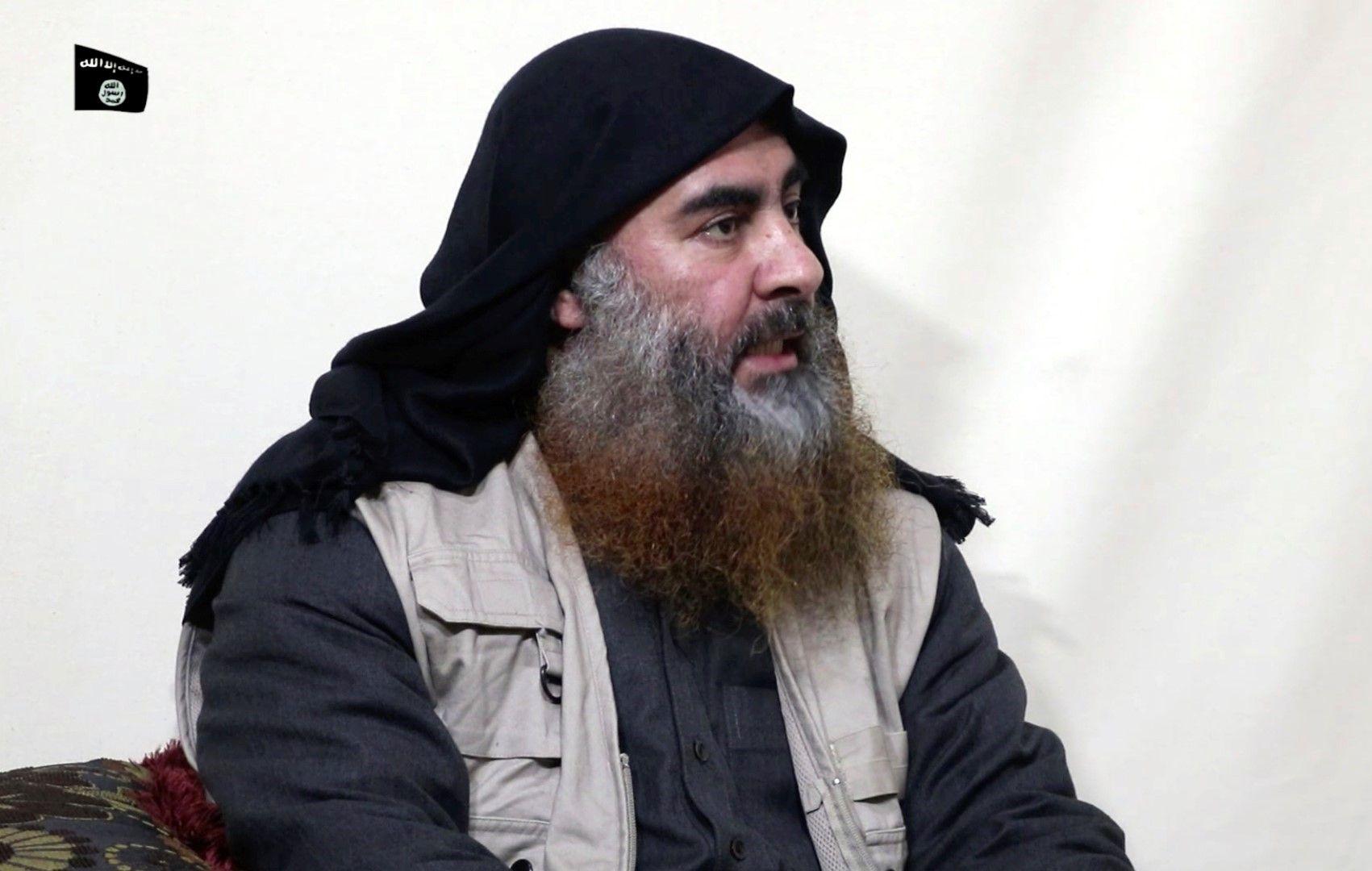 """Лидерът на """"Ислямска държава"""" Абу Бакр ал Багдади - снимка от 29 април 2019 г."""