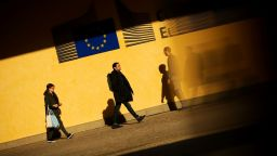 Великобритания няма автоматично да връща хора от ЕС след Брекзит