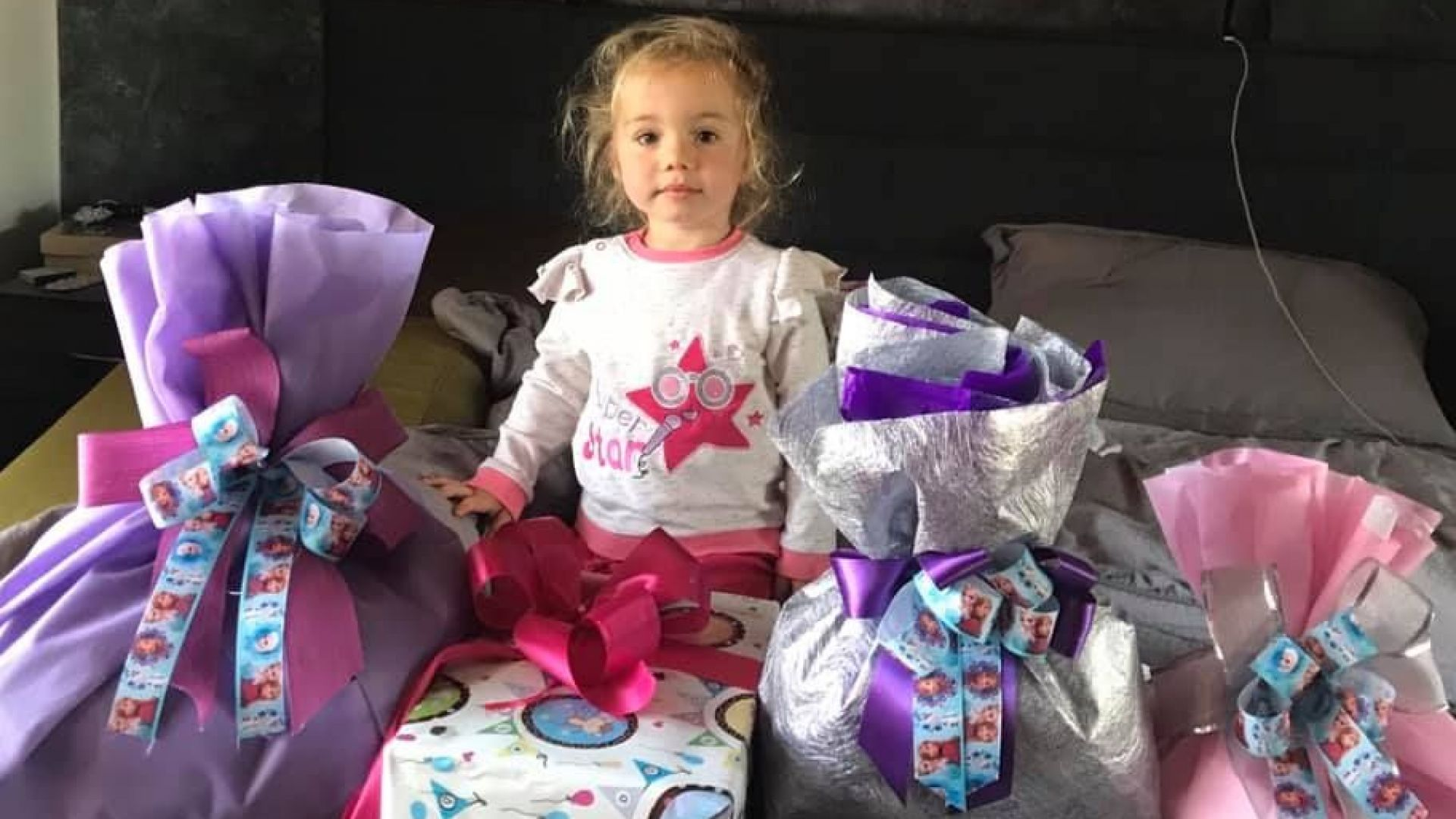 Внучката на Илиана Раева обсипана с подаръци на 3-ия си рожден ден