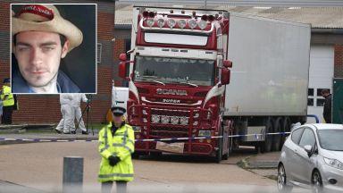 Шофьорът на камиона с 39-те тела не поиска да излезе от ареста