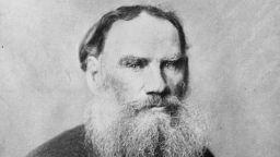Лев Толстой - мислителят и светецът, отлъчен от църквата