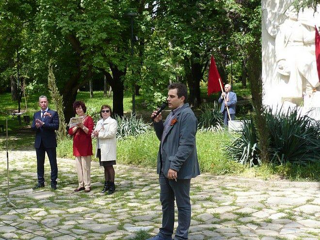 Русяев (вляво) присъства на русофилско събитие