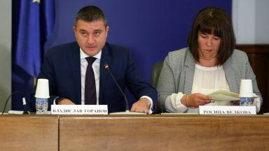 1255 лв. минимална учителска заплата през 2021 г.: какво още обеща Горанов