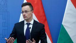 """Унгария ще изпробва руската ваксина """"Спутник V"""""""