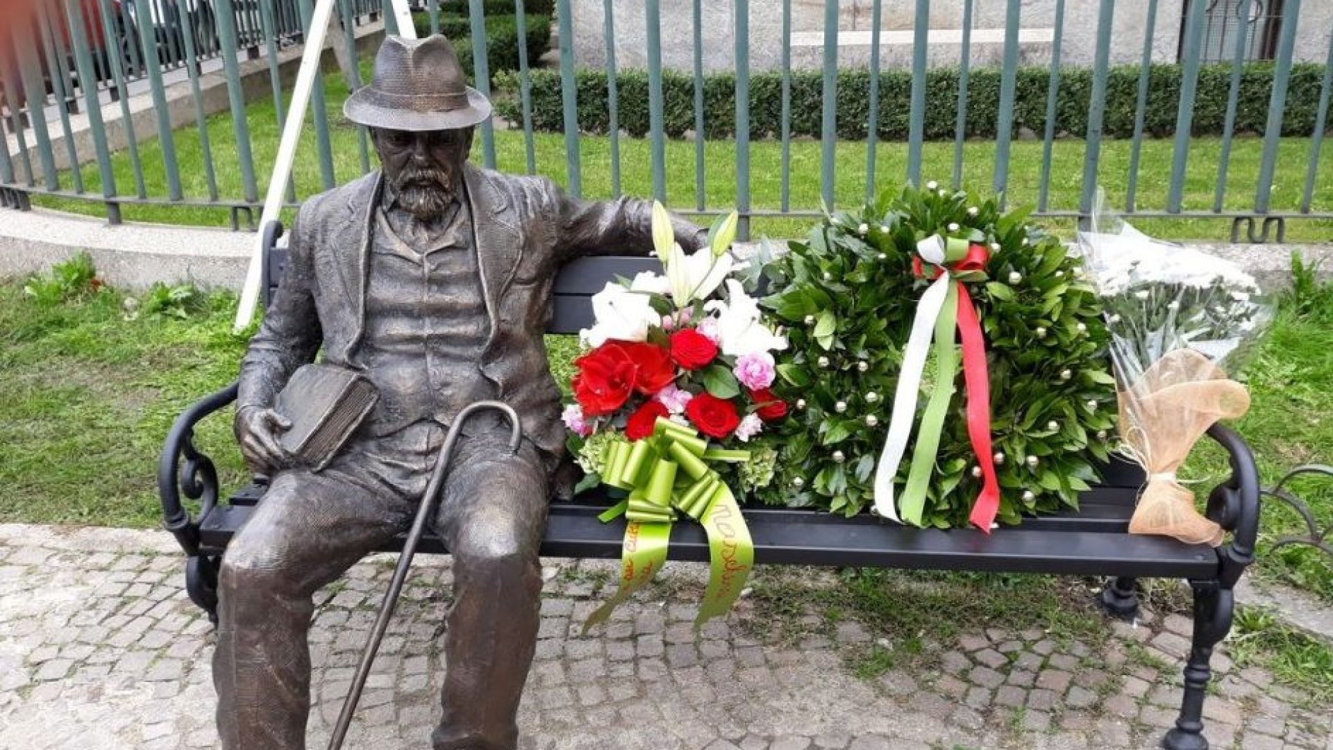 Откриха паметник на Пенчо Славейков в Милано