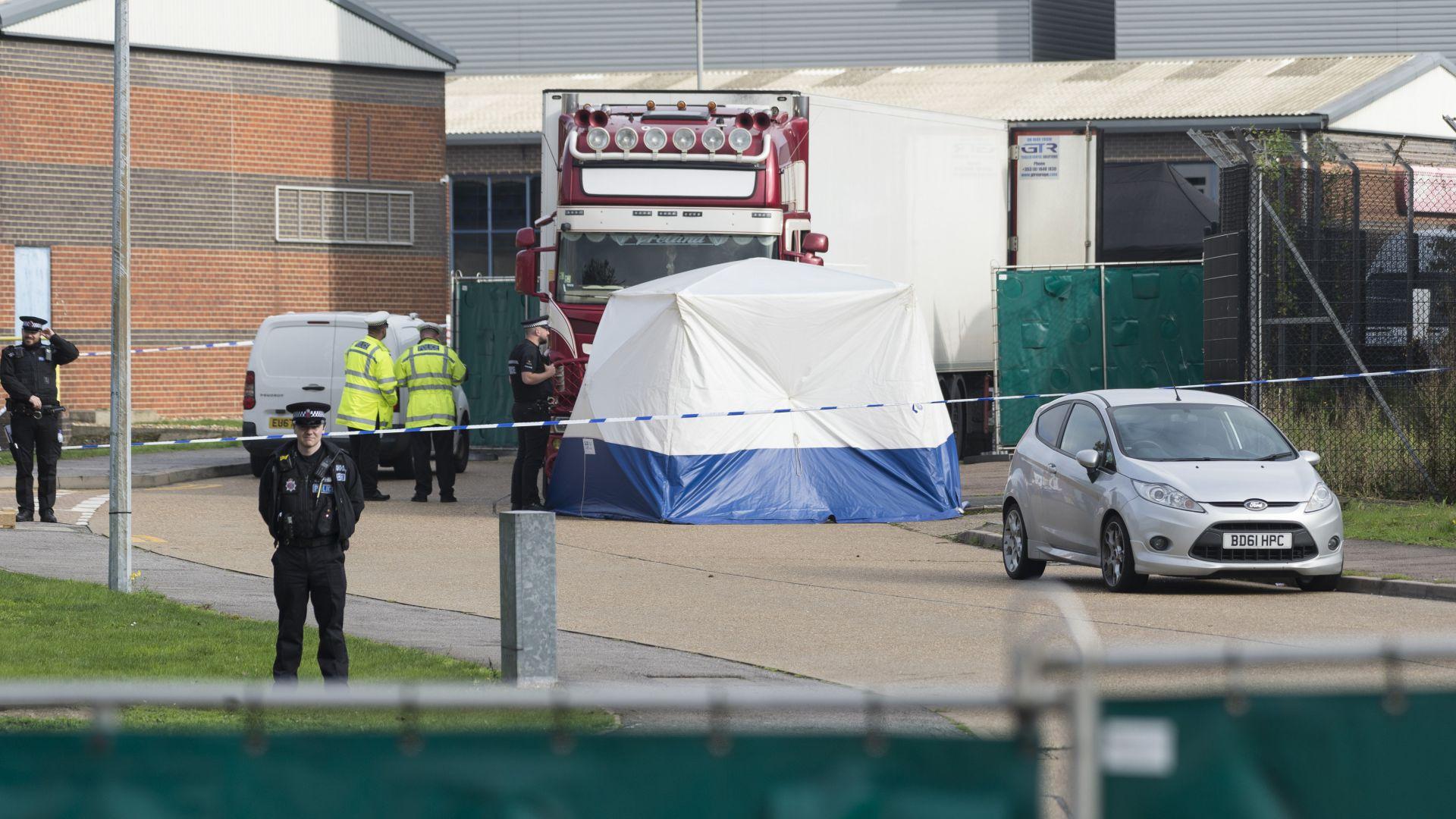 Повдигнаха обвинение за убийство на втори задържан за смъртта на 39-те мигранти