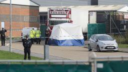 Седем души са с обвинения за смъртта на 39-те мигранти, открити в камион край Лондон
