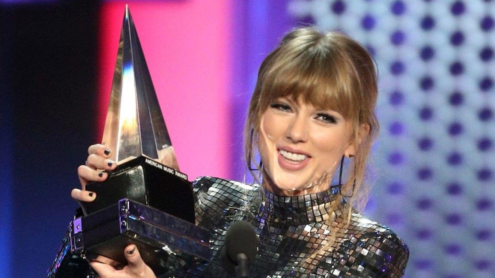 Тейлър Суифт на път да задмине Джако по брой статуетки от Американските музикални награди