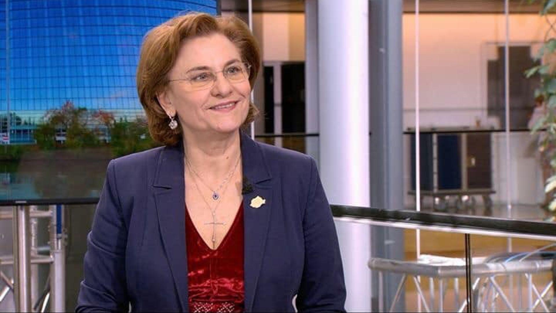 """Румънска евродепутатка измисли държавата """"Летиция""""  и град """"Тела Вив"""""""