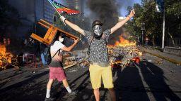 """Кризата в Чили роди нов жанр в изкуството - """"апокалиптична лирика"""""""