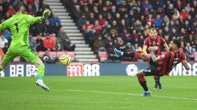 Свой нанесе тежък удар по Юнайтед и спря силната му серия