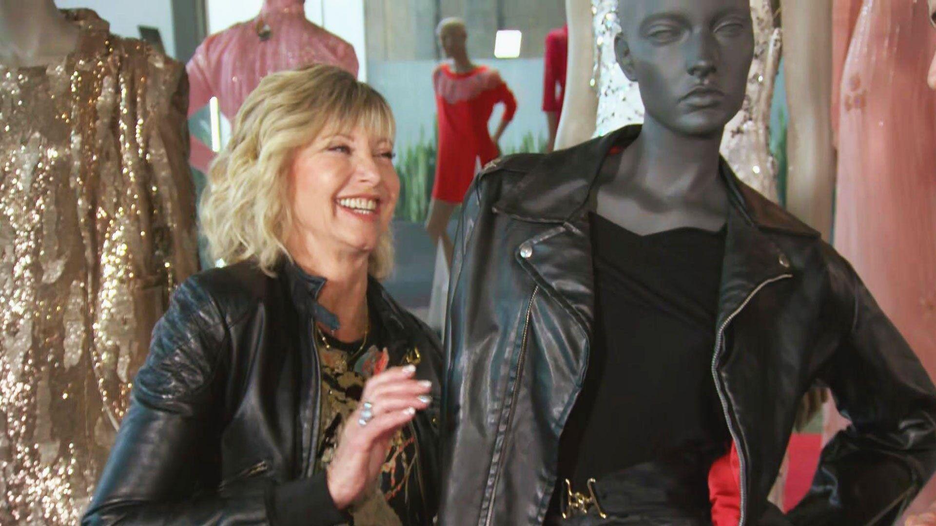 """Продадоха за $243 200 черното кожено яке на Оливия Нютън-Джон от """"Брилянтин"""""""