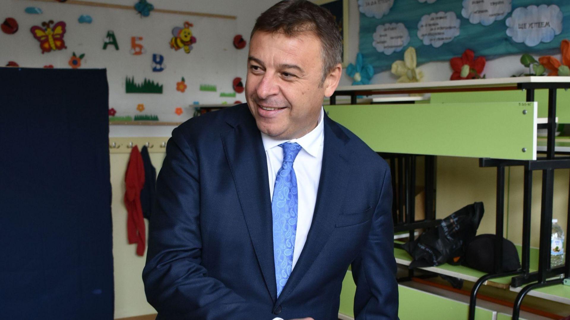 Комисията на Цацаров подхвана бившия кмет на Благоевград