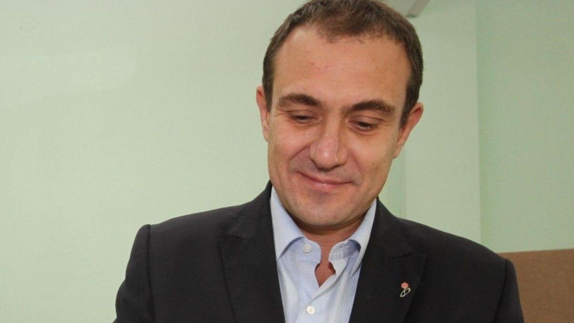 Борислав Гуцанов поиска оставка на Корнелия Нинова заради краха във Варна