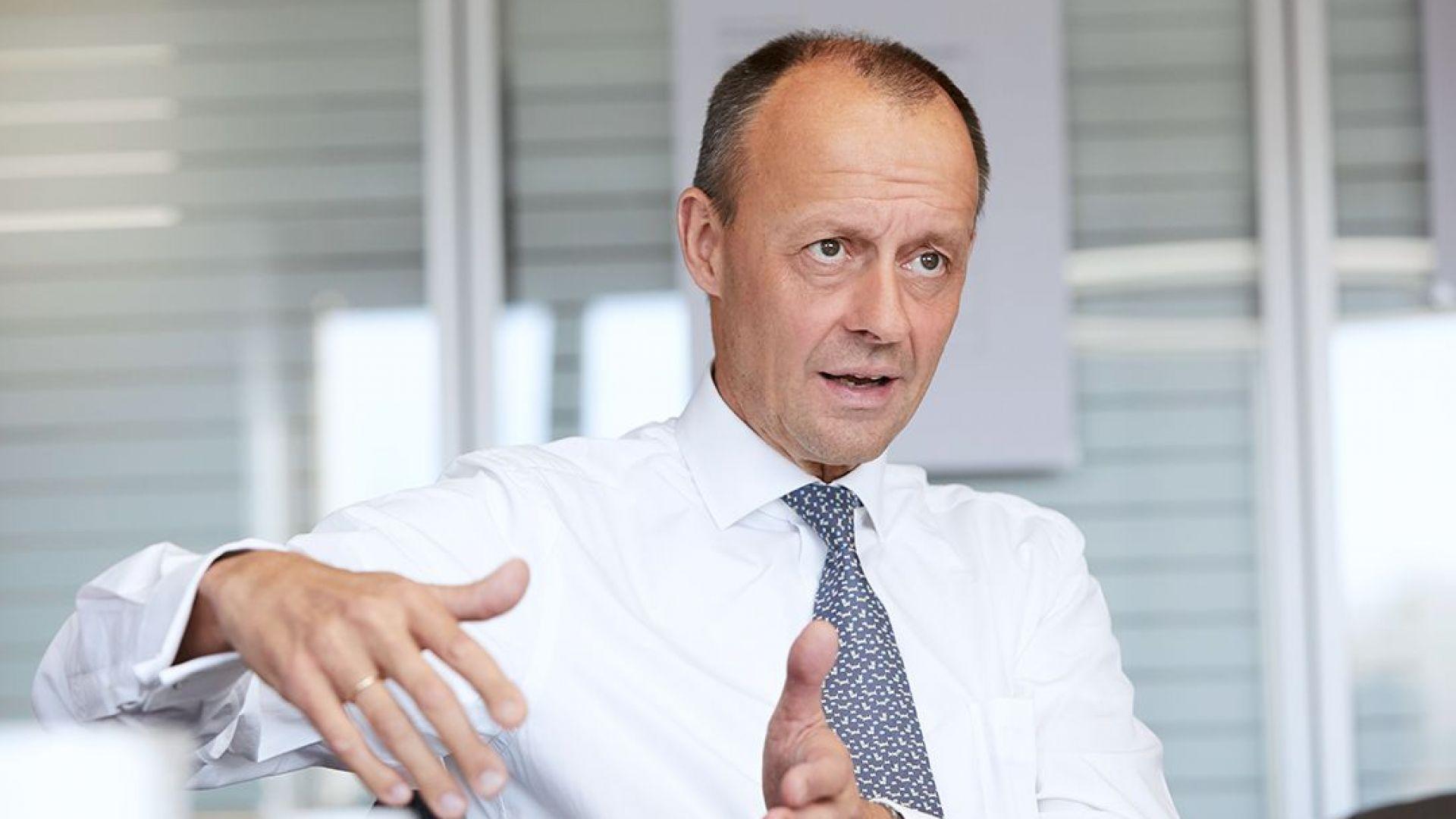 ХДС: Мерц е по-популярен от протежето на Меркел