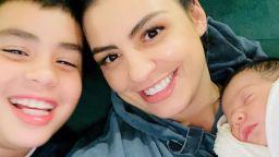 Деси Цонева щастлива с двете си деца