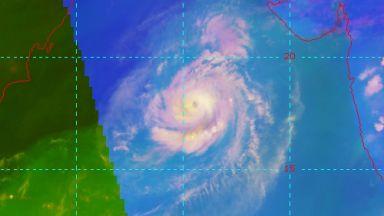 Тропическите циклони навлизат все по-дълбоко в умерените ширини