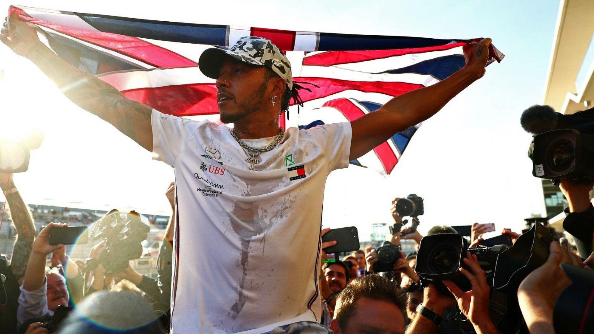 """Хамилтън на преговори с """"Ферари"""", а """"Мерцедес"""" може да напусне F1"""