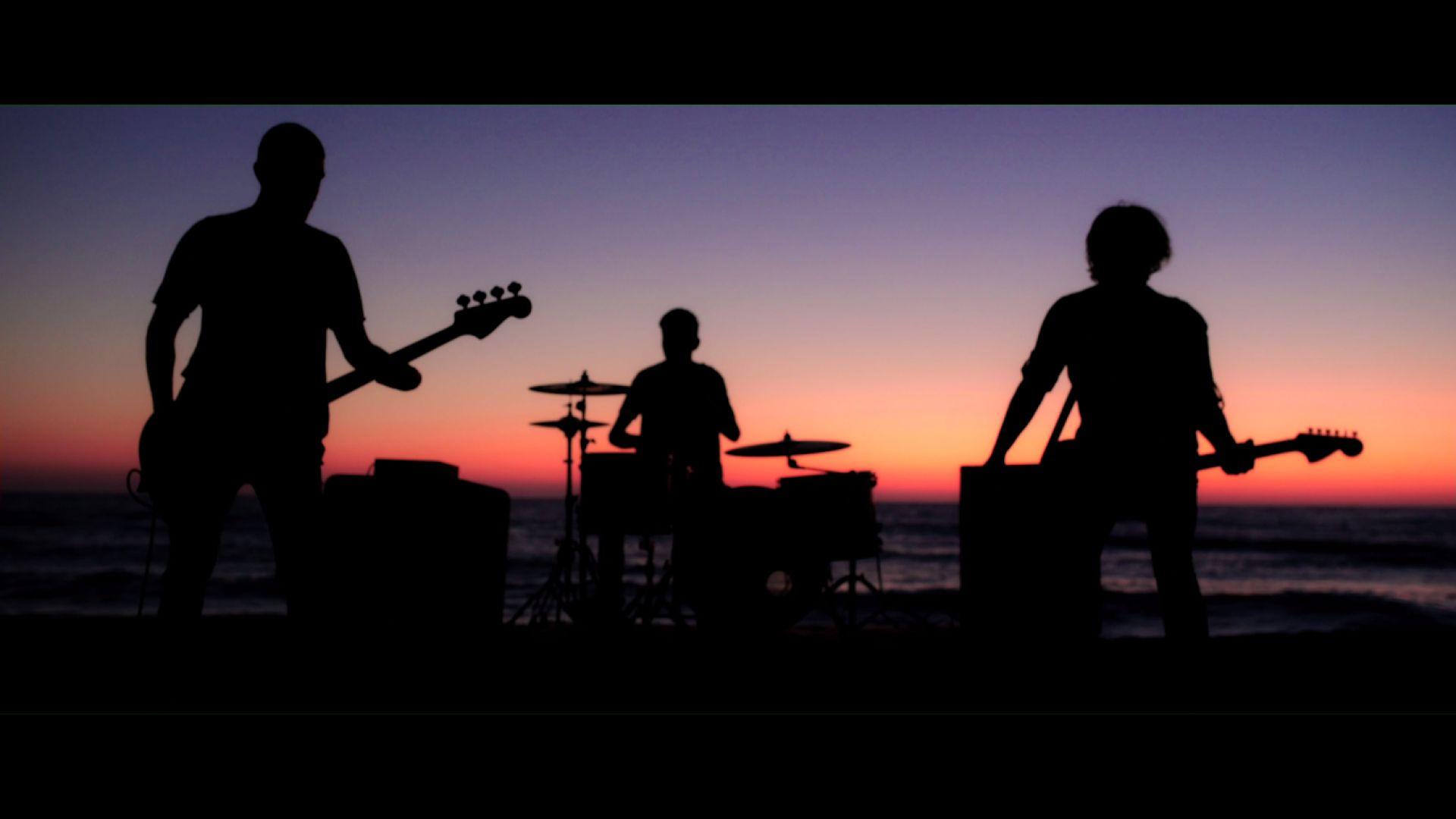 """Група, свирила с WASP и Avantasia, написва водещата песен на """"Доза щастие"""" за една вечер"""