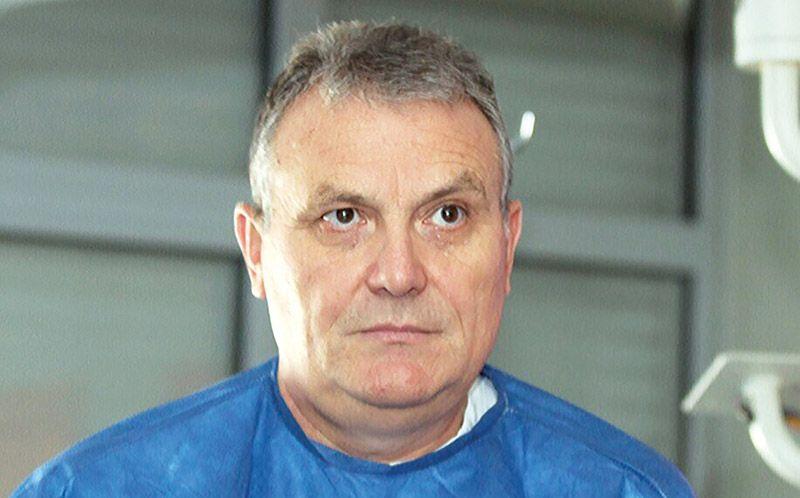 "Проф. д-р Крум Кацаров, завеждащ ""Клиника по Гастроентерология"", ВМА"
