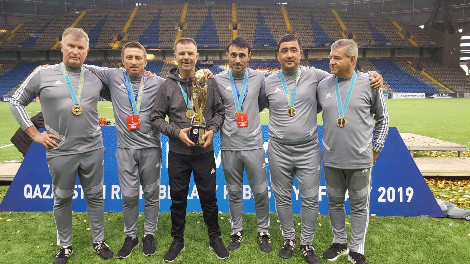 Стойчо Младенов е сред тримата номинирани за треньор на годината в Казахстан