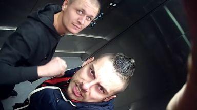 """Търсят се двама вандали, трошили новия асансьор на варненската болница """"Св. Анна"""" (видео)"""