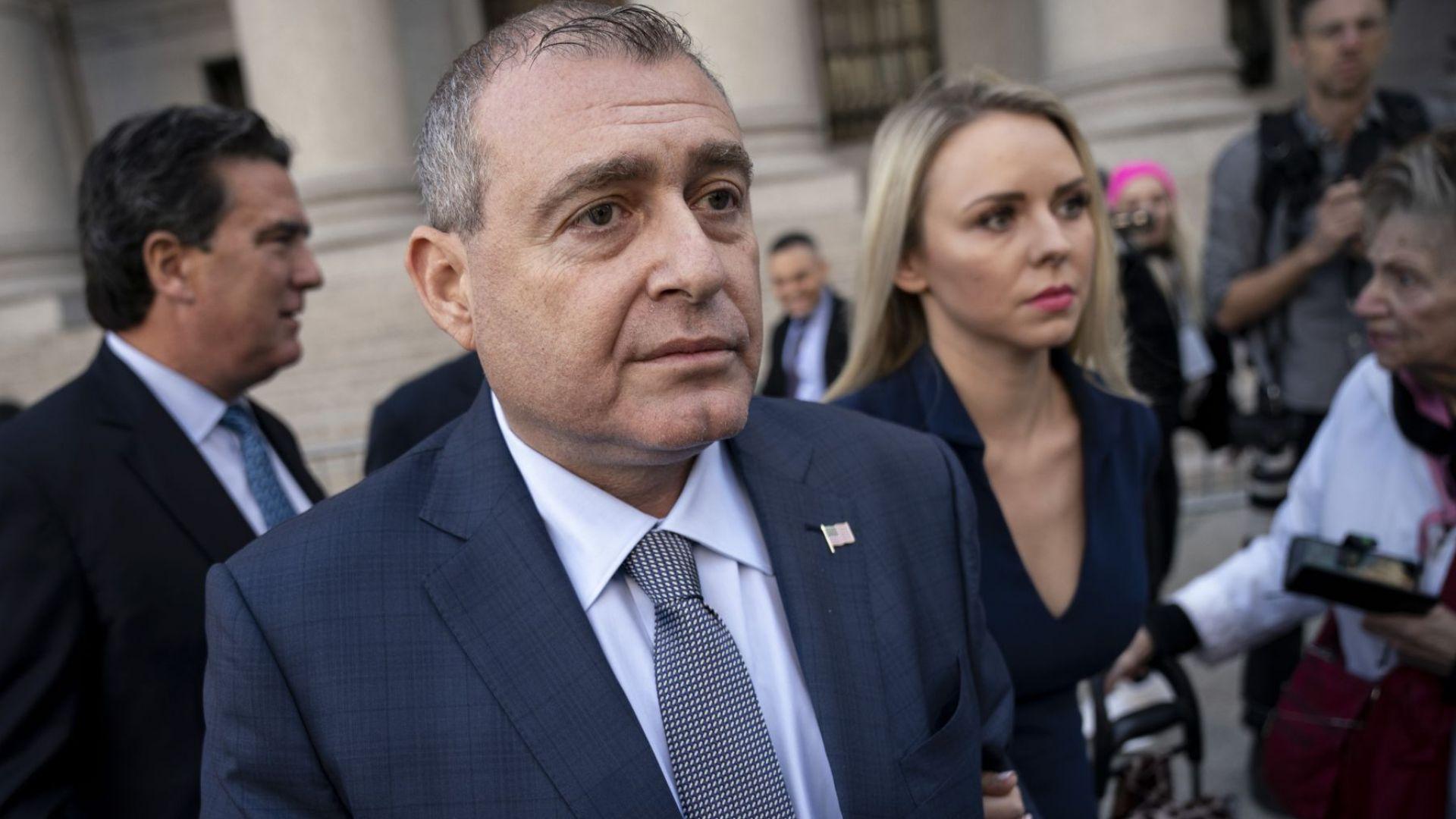 Ключов свидетел дава показания пред комисията за импийчмънт на Тръмп
