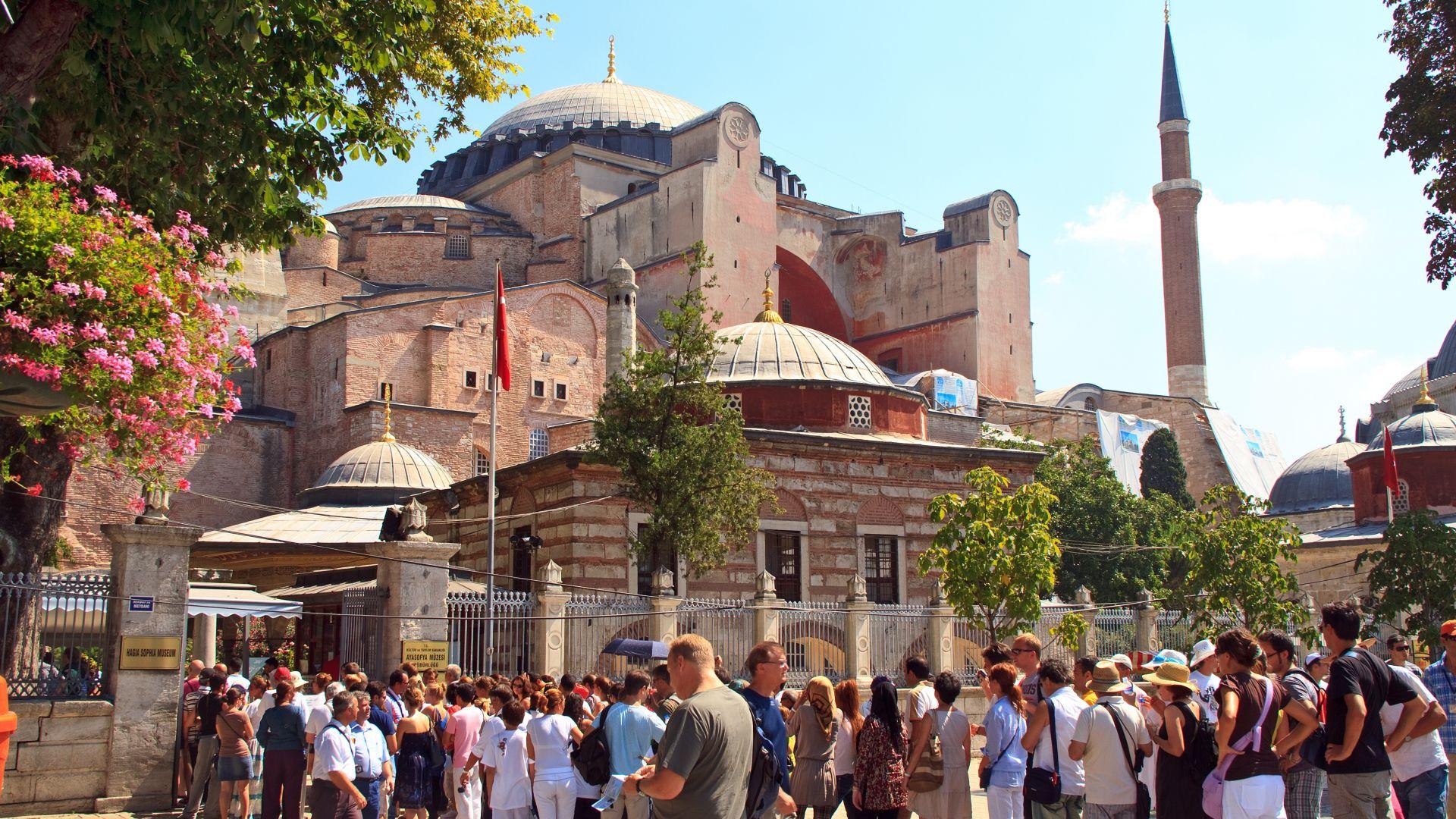 """""""Света София"""" да стане джамия. Защо Ердоган иска това?"""