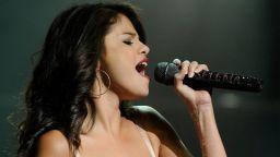 """Селена Гомес покори класацията Hot 100 на """"Билборд"""""""