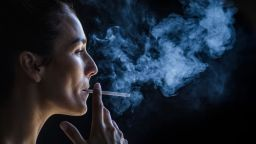Три пъти повече бръчки по лицата на пушачите