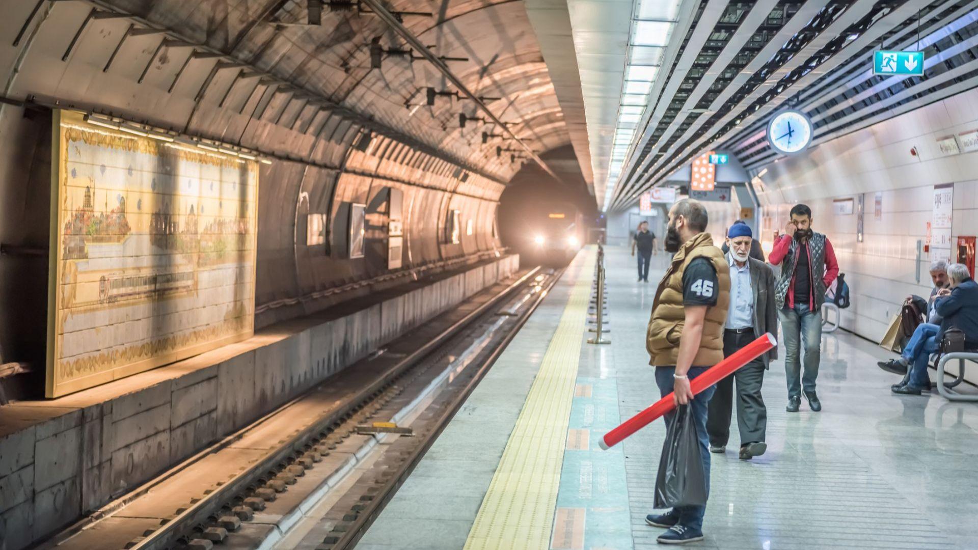 Товарен влак от Китай за Европа за първи път ще премине през тунела под Босфора