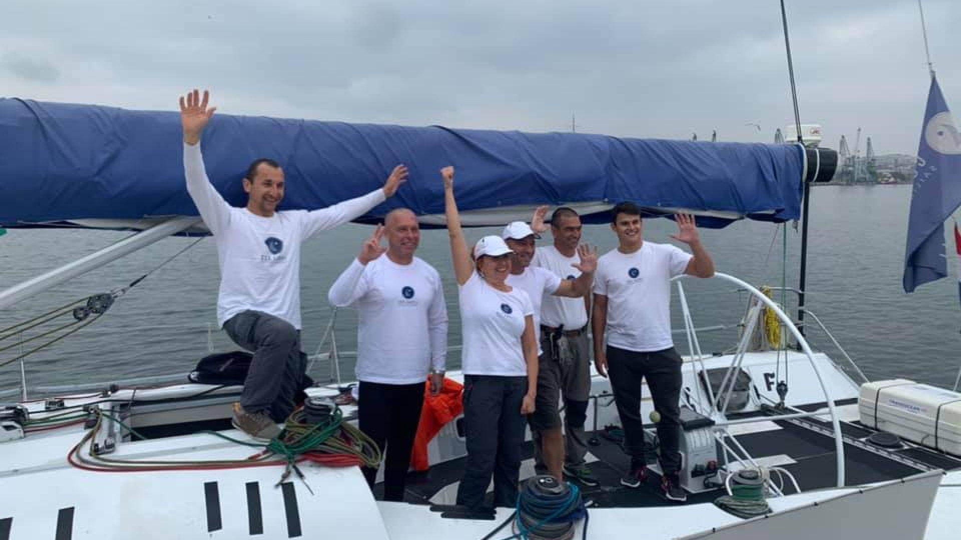 Българи поставиха рекорд за скоростно прекосяване на Черно море с яхта