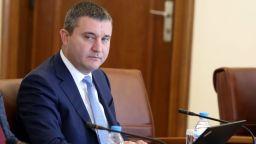 Горанов: Българинът гледа на държавата като чуждо тяло