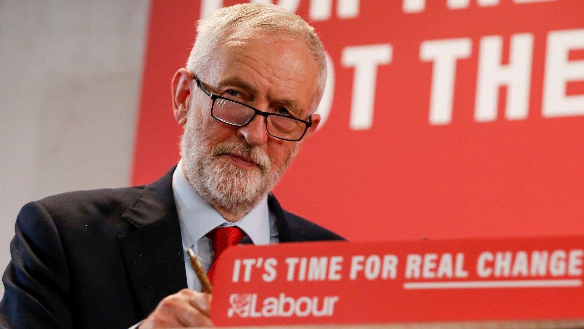 Свръхбогатите британци са готови да си стегнат багажа, ако Джереми Корбин победи на изборите