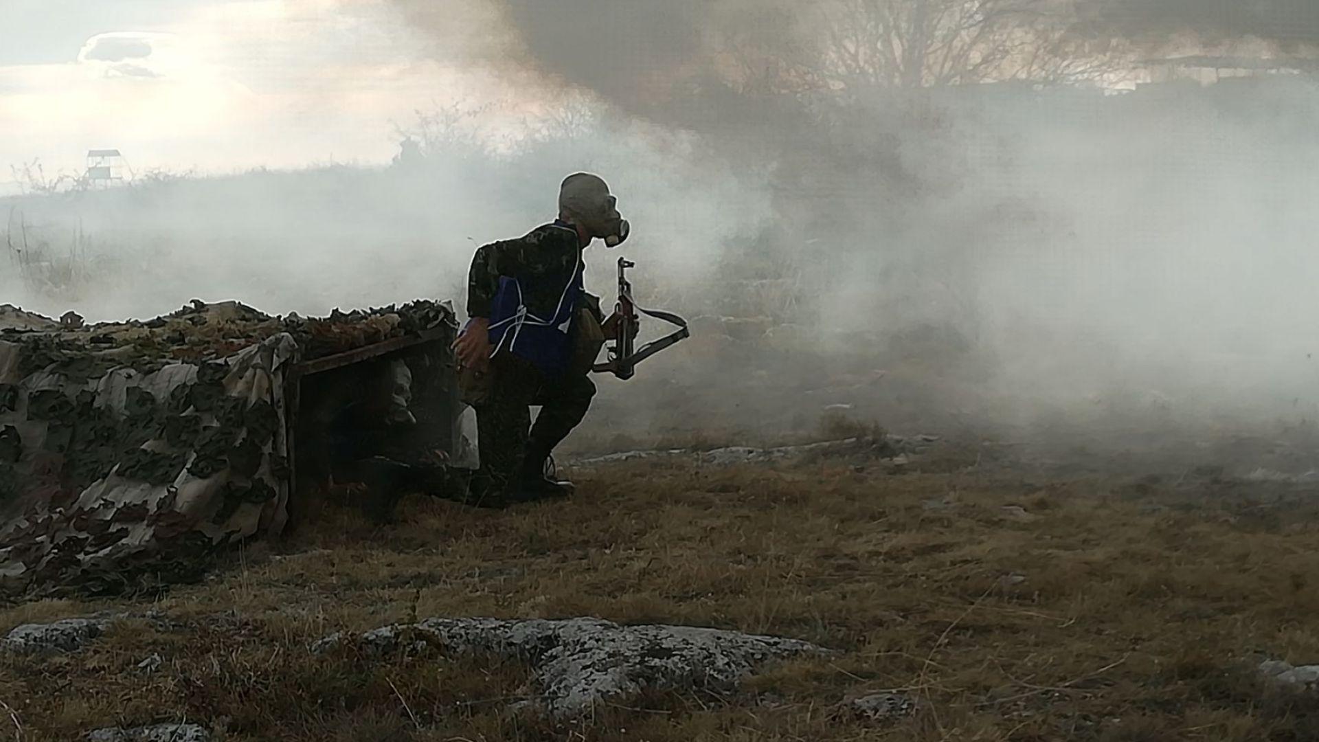 Димки, гранати и стрелба на полигон Сливница по време на състезание (снимки/видео)
