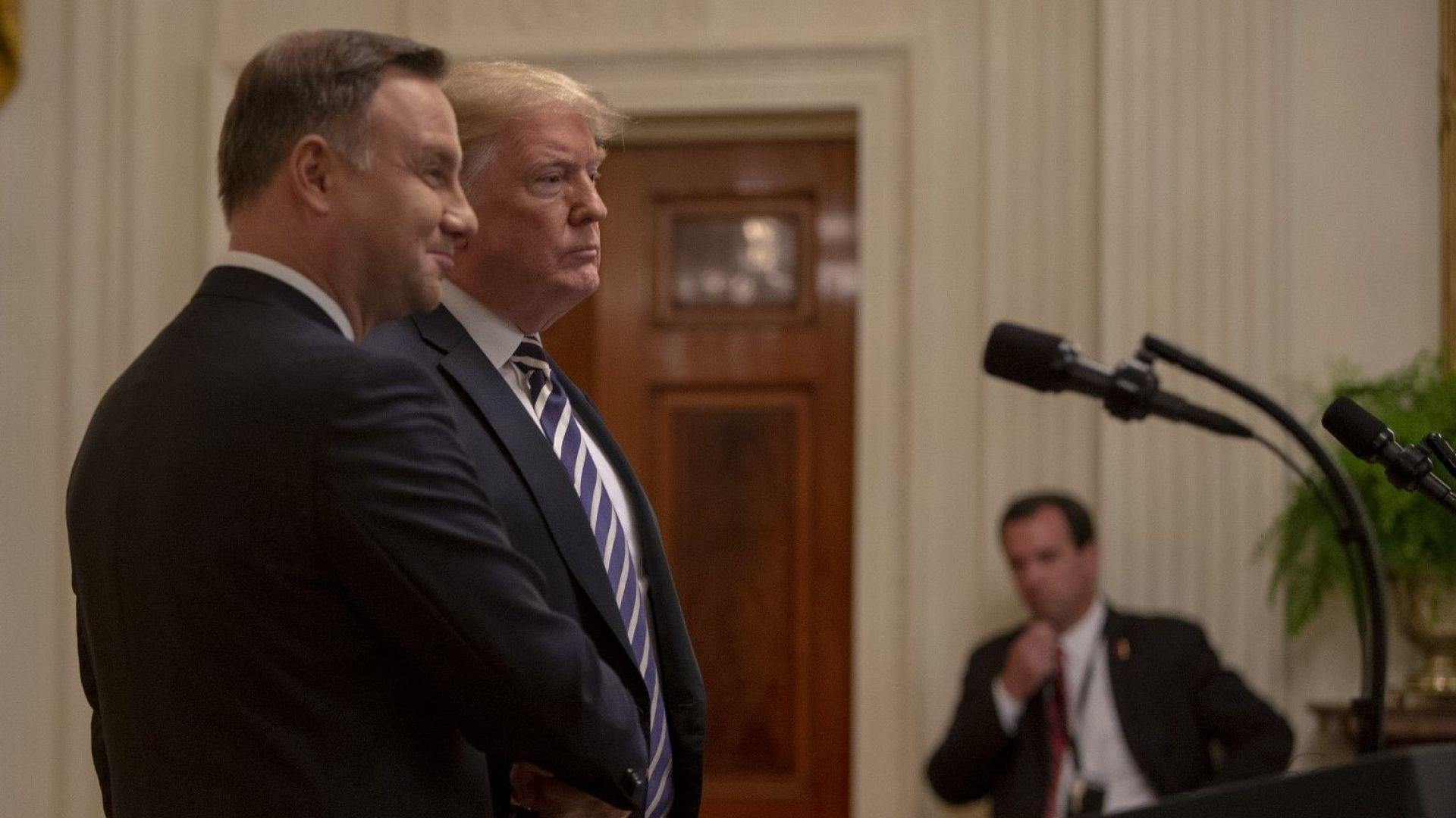 Полша проби твърдата визова програма на САЩ