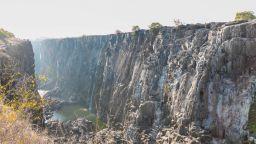 Най-големият водопад в Африка пресъхва