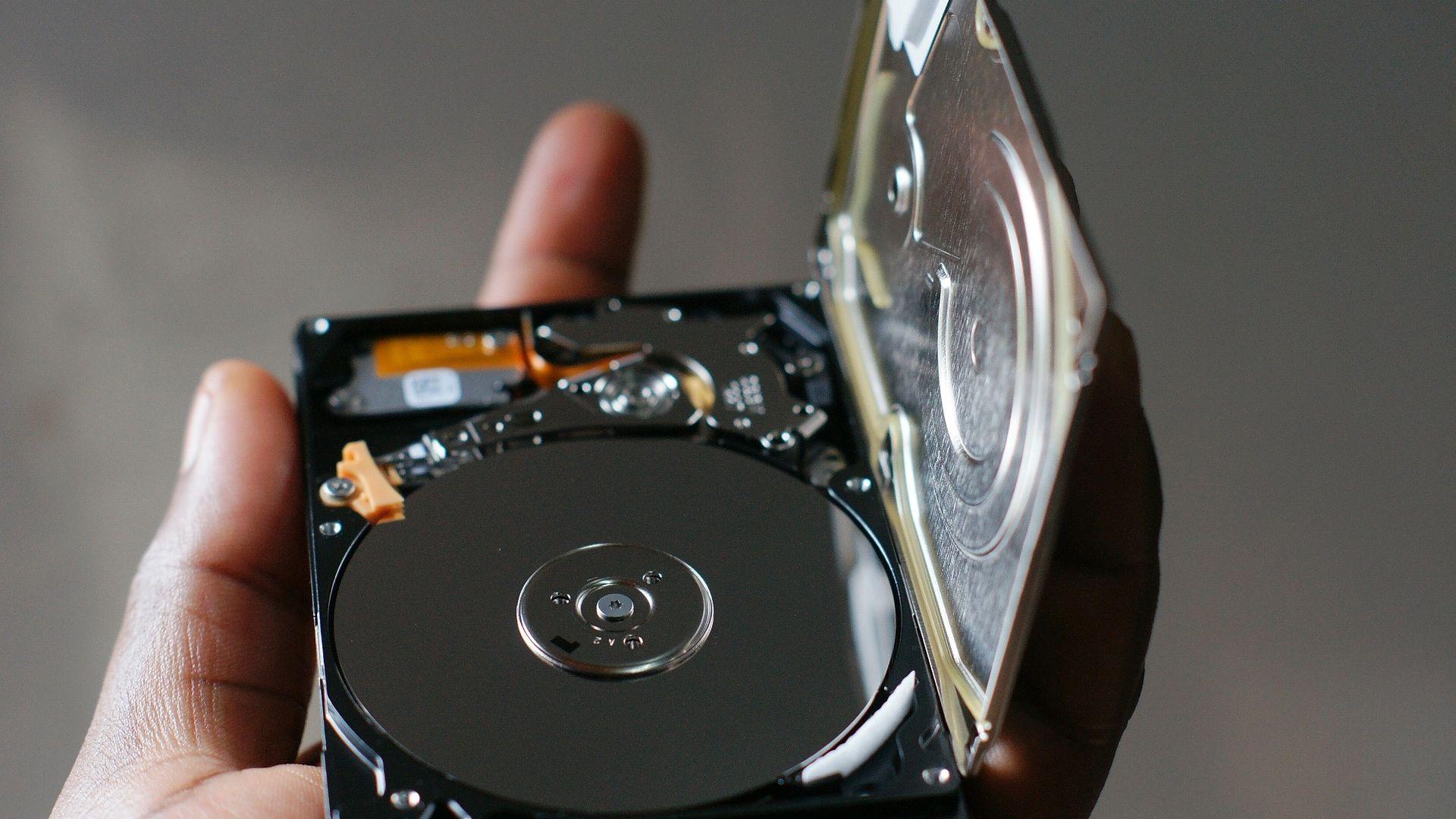 Seagate обеща 50-терабайтов хард диск през 2026 г.