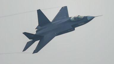 Китай ще разположи стелт самолет на своите самолетоносачи