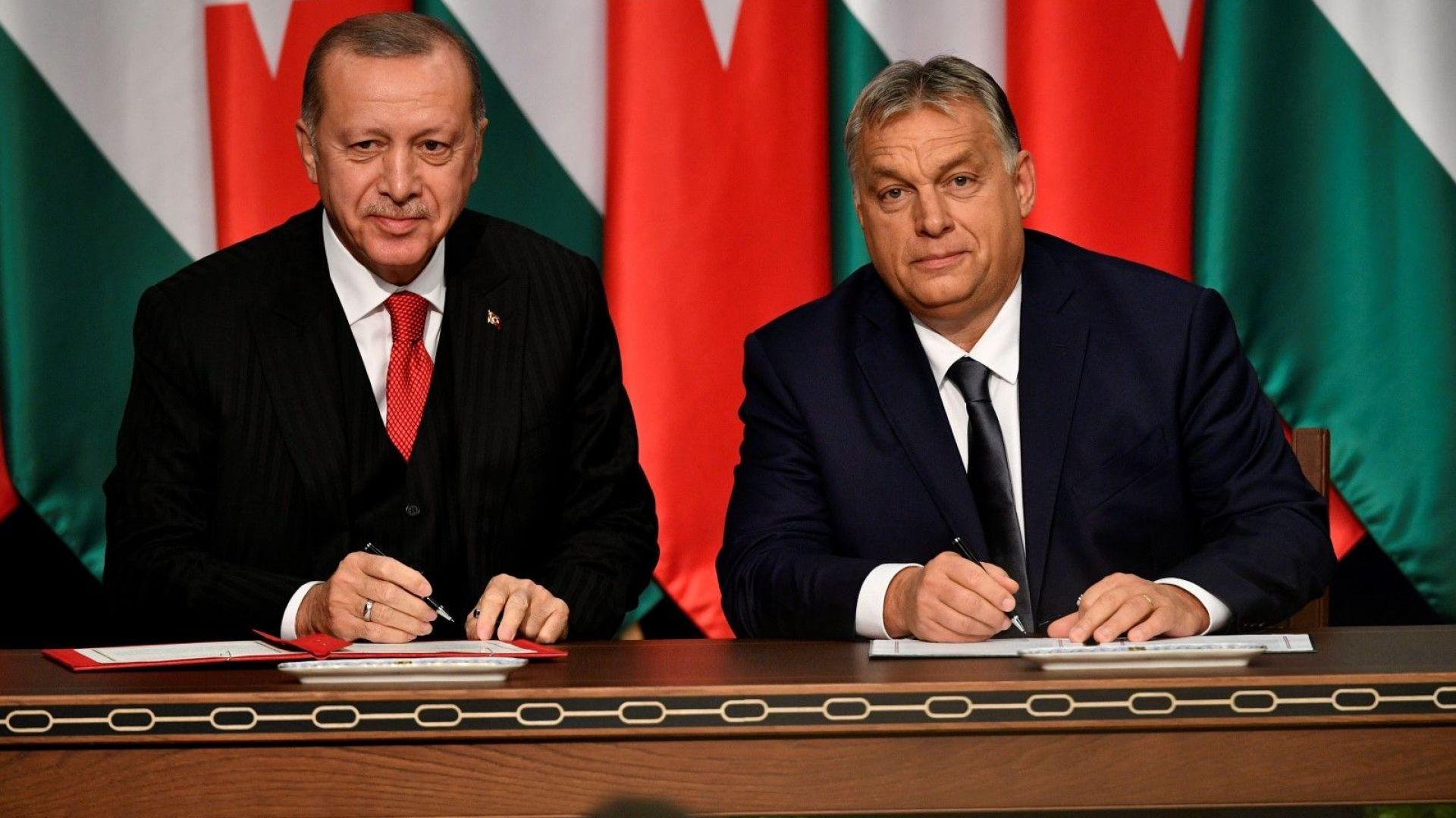 Ердоган от Будапеща се закани да пусне мигрантите в Европа