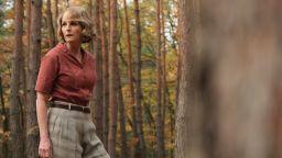 """Хелън Хънт и Шон Бийн в истинските истории зад """"Свят в пламъци"""" по Epic Drama"""