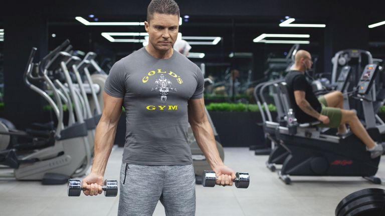 Когато мускулатурата заякне и имате сила, започвате да вдигате все по-големи тежести и ако не знаете къде е границата, ставите може да започнат да страдат.