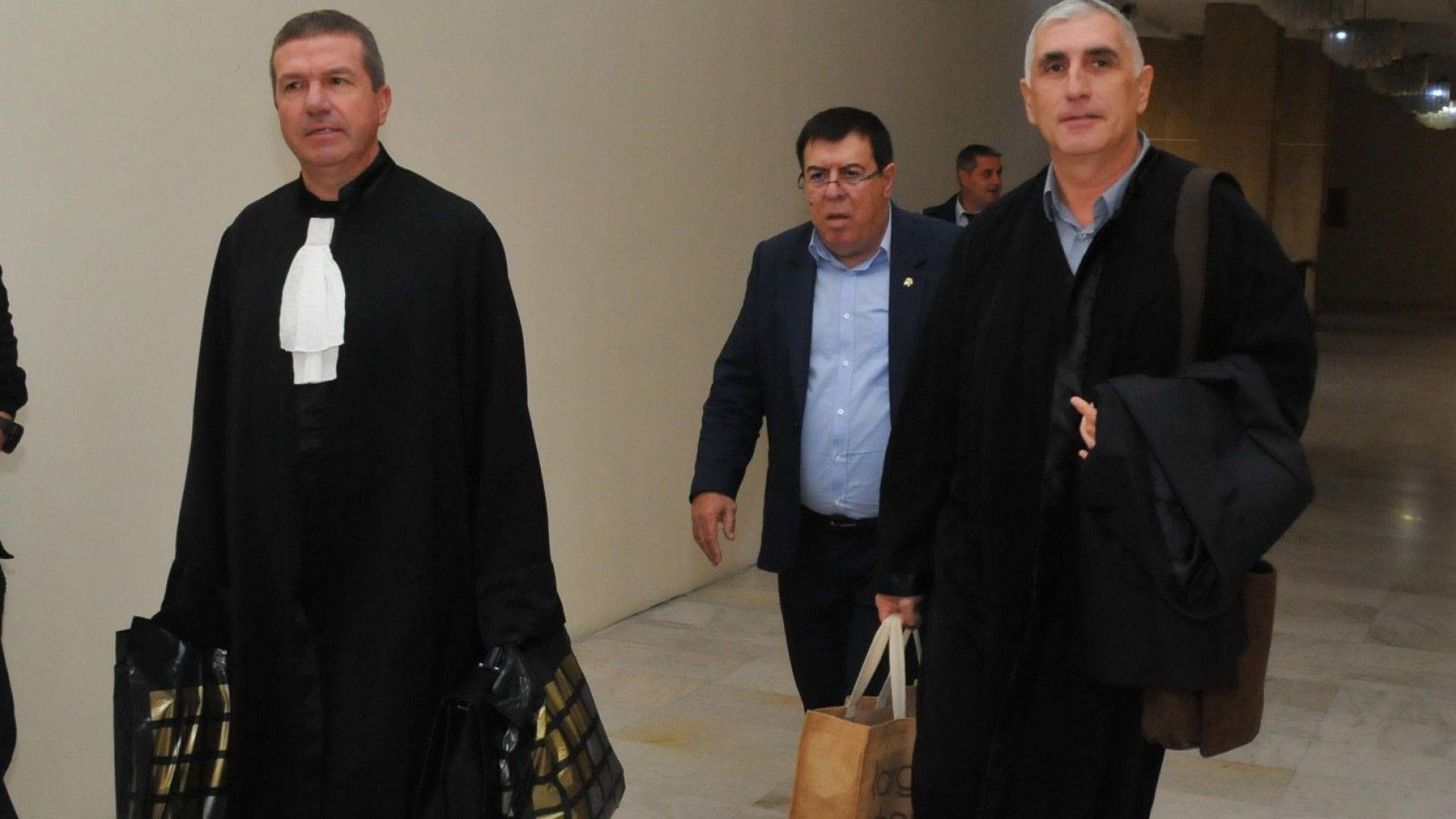 Бенчо Бенчев заедно със защитата