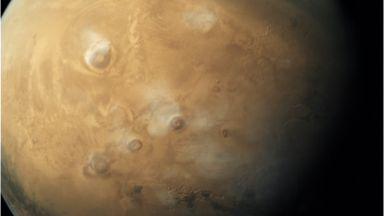 """Сондата """"ИнСайт"""" продължава изследването на недрата на Марс след Нова година"""