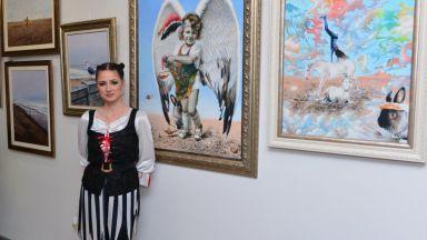 Свободата в картините на Калина Ханджиева