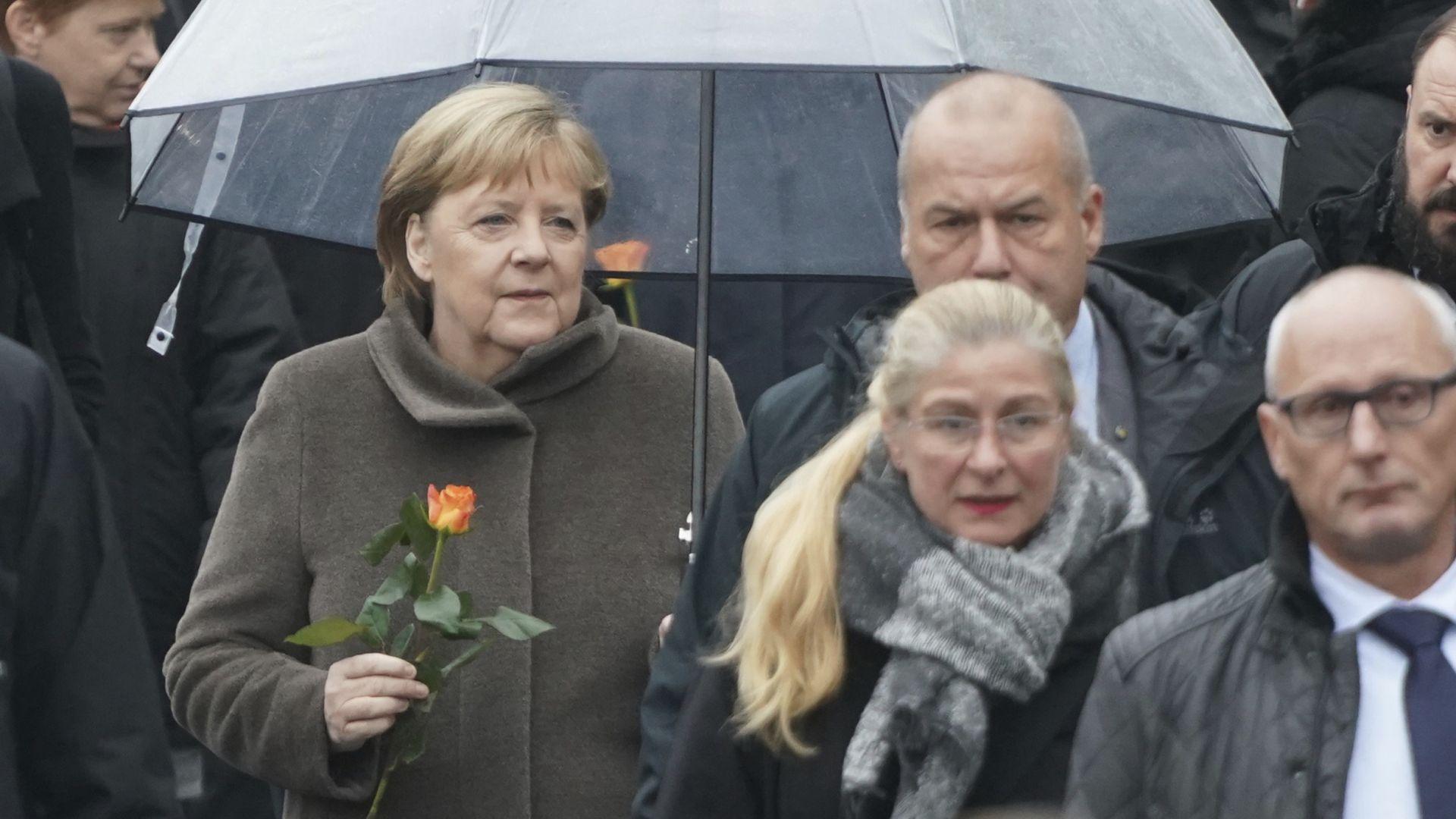 Меркел призова Европа да брани свободата и демокрацията