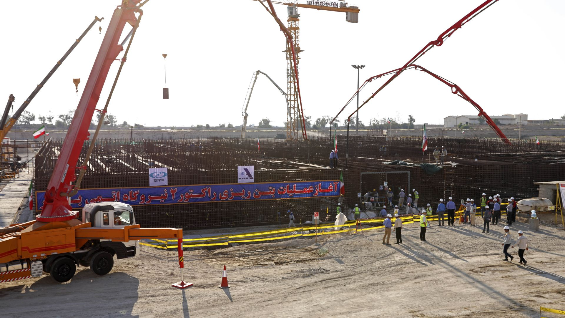 """Иран започна да изгражда втори реактор в АЕЦ """"Бушехр"""""""